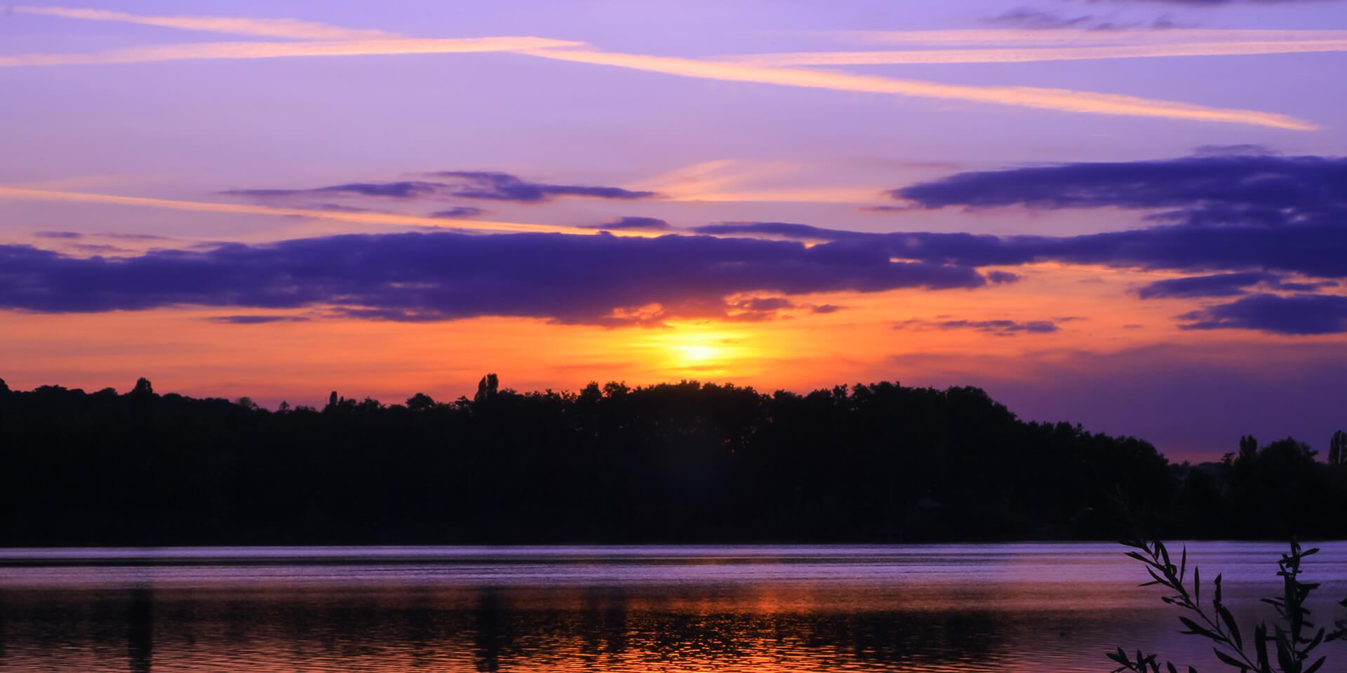 Das Bild zeigt einen Sonnenaufgang